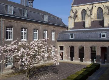 Binnentuin RHCL Maastricht.jpg